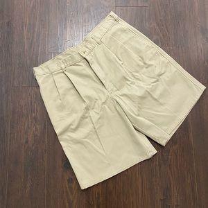 🌟HOST PICK🌟NWT! Men's Alabama khaki shorts, 36